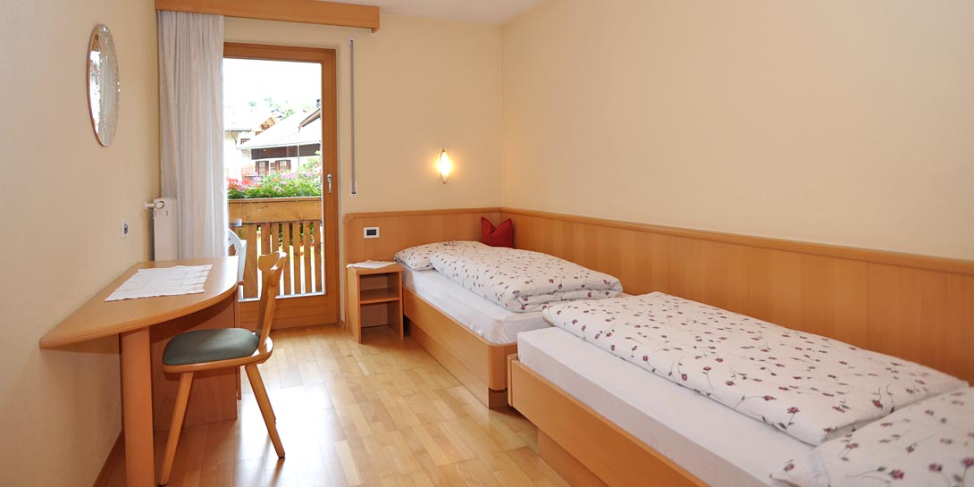 wohnung nr 4 messnerhof im pustertal s dtirol. Black Bedroom Furniture Sets. Home Design Ideas